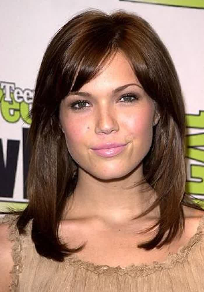 188 best Hairstyles for Round Faces images on Pinterest | Layered ...