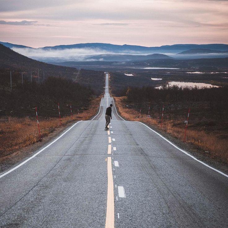 Kilpisjärvi, Finnish Lapland. Photo by Late K @lateek These lapland roads are made for longboarding 💚 #VisitLapland  #Finland #VisitFinland #finnishlapland #arcticshooting #filmlapland