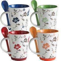Sada hrníčku na kávu * bílý porcelán vnitřně barevný s malovaným květinovým vzorem, s uchem na držení lžičky.