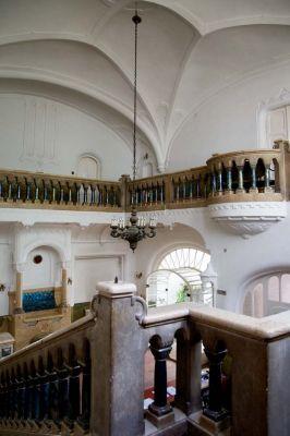 Épületfotó - a Sipeki-villa (Budapest, Hermina út 47.) hallja