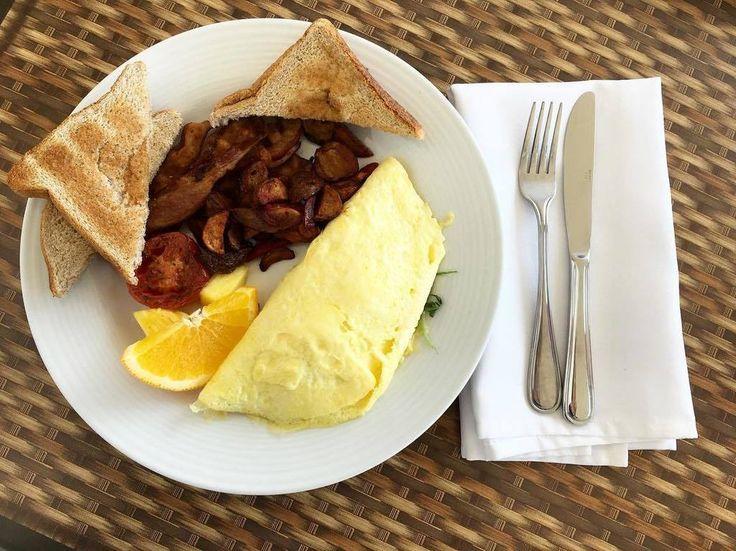 "PlanetBlueAdv (Parm) on Twitter: ""Breakfast of arugula & feta cheese omelet to start the day properly @viamederesort @thekaw… https://t.co/AsBHyx6vzf https://t.co/jqfoFBNdV4"""