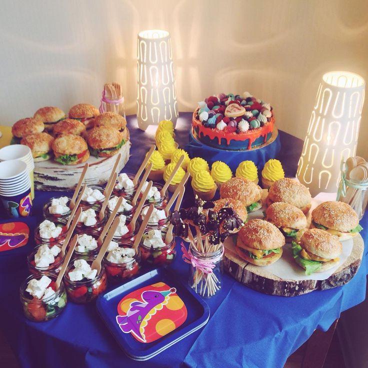 """150 отметок «Нравится», 2 комментариев — ⠀ ⠀⠀ ⠀⠀⠀ """"Ням-Ням"""" (@yummyummspb) в Instagram: «В понедельник, пока все готовились к 8 марта, Платоша праздновал свой первый день рождения, хлопал…»"""