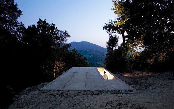 Tolo House by architect Alvaro Leite Siza is a contemporary home design that sits on a steep slope in Penafiel, Portugal. It's the site's unique topography that dictates this home...