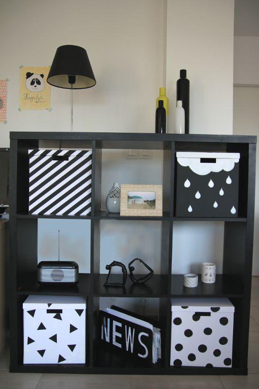 avec des boites 3 boites blanches et 1 noire Tjena (Ikea) - 7€ la boite