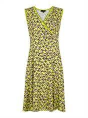 Bohéme kjole med swing i flotteste Lemongras med sommerfulgle