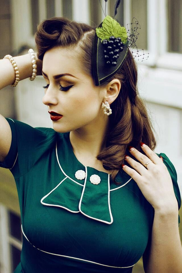 25 Retro Hairdos That Still Work Even Today | http://stylishwife.com/2015/06/25-retro-hairdos-that-still-work-even-today.html