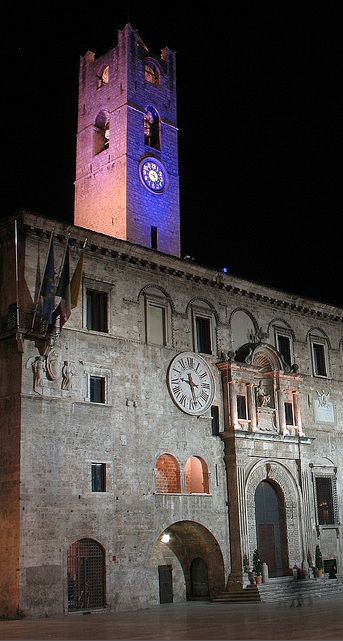 Ascoli Piceno.  Ascoli Piceno listen is a town and comune in the Marche region of Italy, capital of the province of the same name. Its population is c. 51,400 but the urban area of the city has more than 105,000. Wikipedia