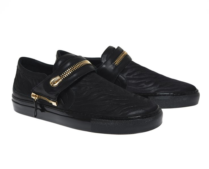 Abigail black fabric and black strap with golden maxi zipper