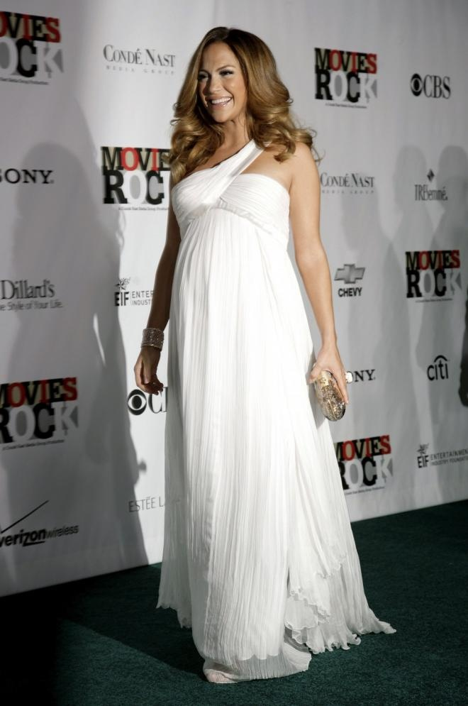 16. Jennifer Lopez - Top 20 pregnant celebrity fashion