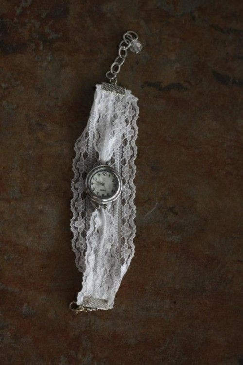 Vintage DIY Watch With A Lace Bracelet | Shelterness