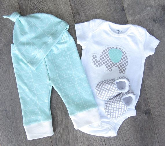 Gender Neutral Baby Outfit // Unisex Baby Clothes by GingerLous