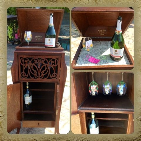 Victrola re-fab!!! Now a wine rack/wet bar! - 9 Best Repurposing The Victrola Images On Pinterest Furniture
