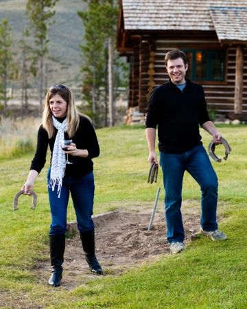 Entertain rehearsal dinner guests with fun lawn games like horseshoes or ping pong