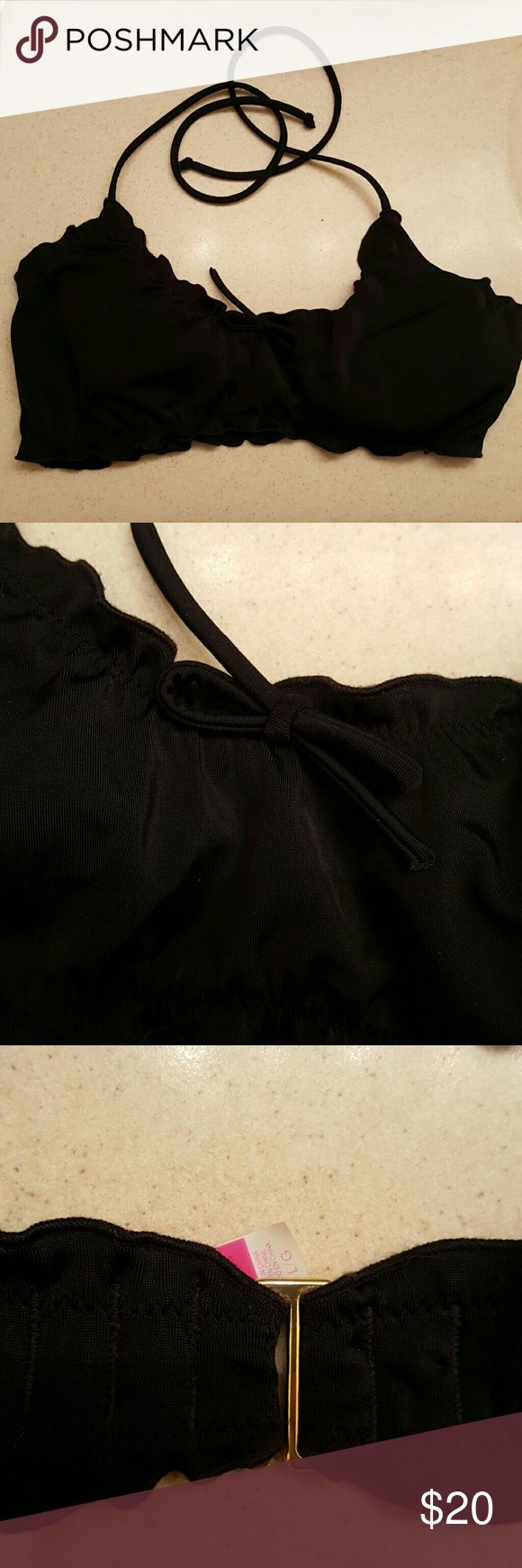 Black Victoria Secret bikini top Very cute vs bikini top. Bought off here, didn't fit me! Gently used, no signs of wear. Victoria's Secret Swim Bikinis