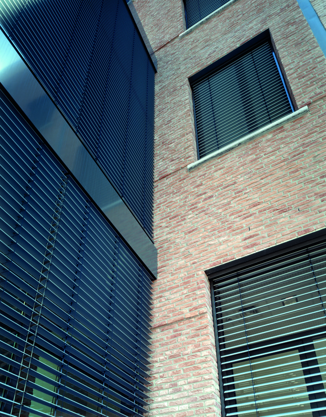 External Venetian Blinds by Hunter HunterDouglas® External Venetian Blinds enhance natural day lighting, reduce glare and regulate thermal gain to enhance interior comfort and productivity. Architect:Architectenbureau De Vloed. Project: Heath Care Facility #architecture #hunter douglas #exterior #Venetian blinds #heathcare