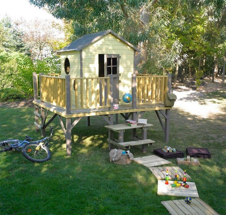 maisonnette bois sur pilotis tour de ronde backyard pinterest. Black Bedroom Furniture Sets. Home Design Ideas
