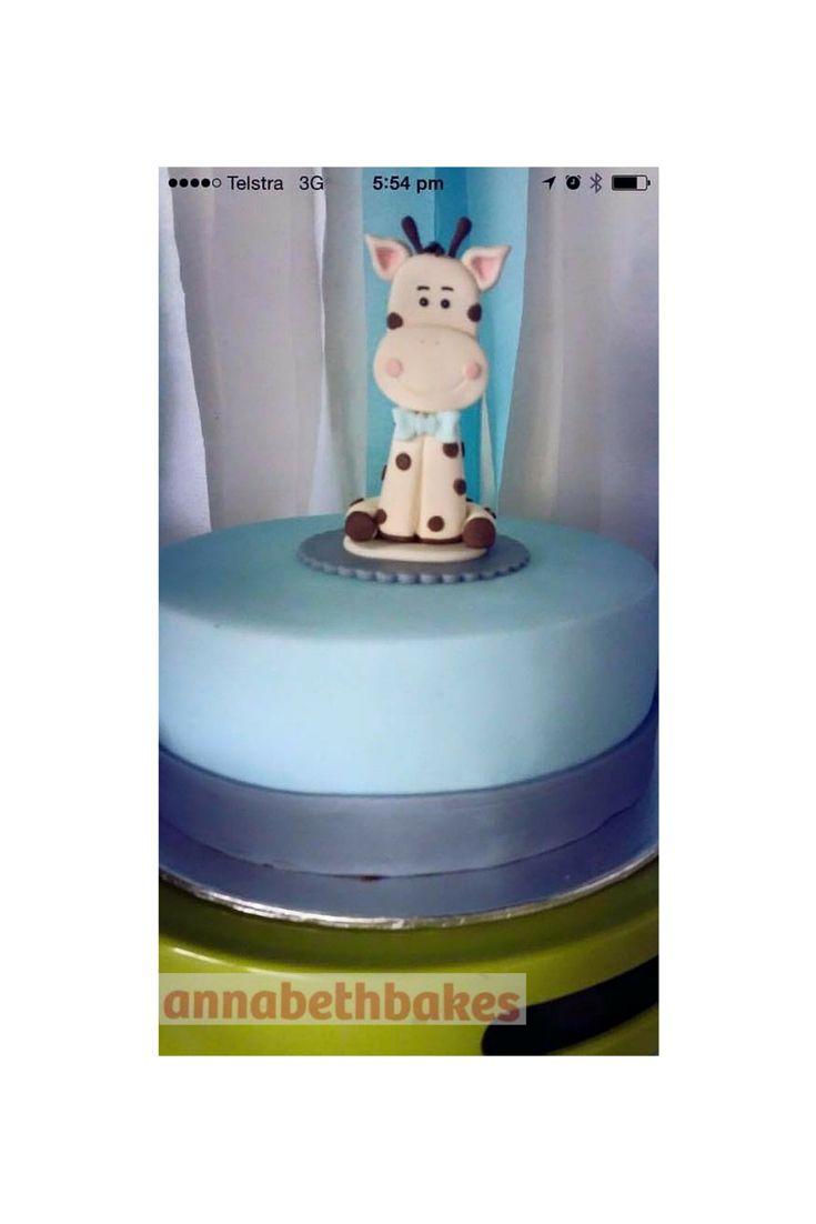 Fondant cake topper - The giraffe on his baby shower cake, I love customer photos!!