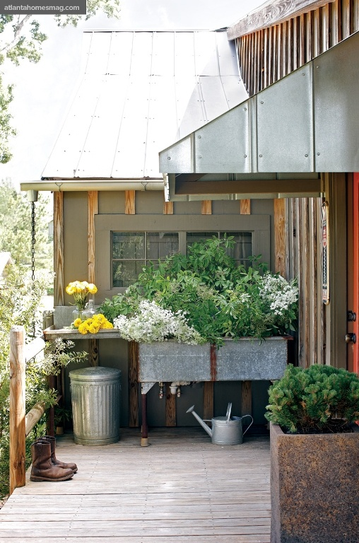 galvanized potting area with sink on the deck: Gardens Ideas, Backyard Ponds, Gardens Design Ideas, Wash Tubs, Work Spaces, Herbs Gardens, Flowers Boxes, Atlanta Home, Pots Benches