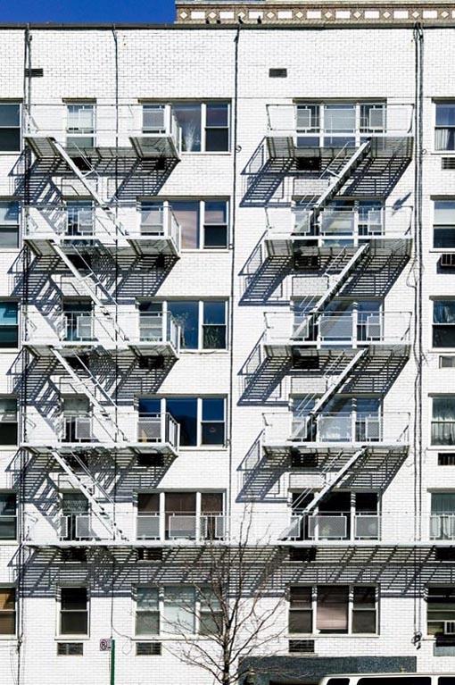 Dario Piacentini Photographer - Front building