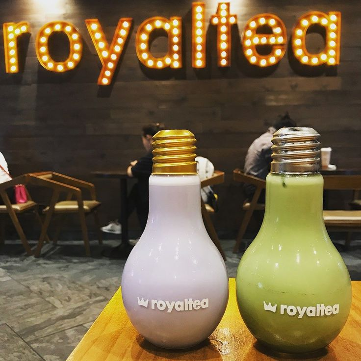 #Repost @delisiousadventure Being Royal... LED Light Bulb Bottle {Taro and Matcha Milk Tea}  . . . . . #LED #LightBulb #BubbleTea #Toronto #TorontoBubbleTea #Taro #Matcha #ILoveBubbleTea #RoyalTea #delisiousadventure