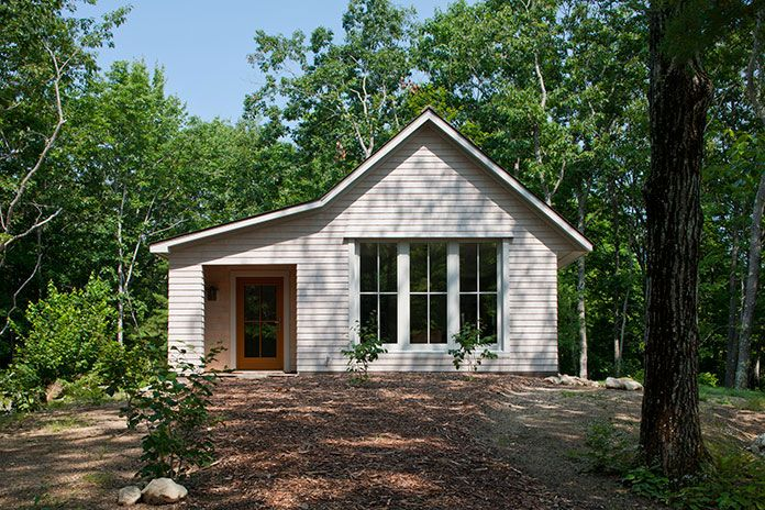 1000 square foot energy-efficient prefab house plan by GO Logic