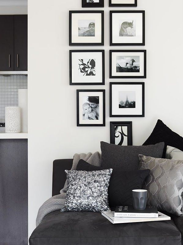 photo arrangement idea for lounge nook
