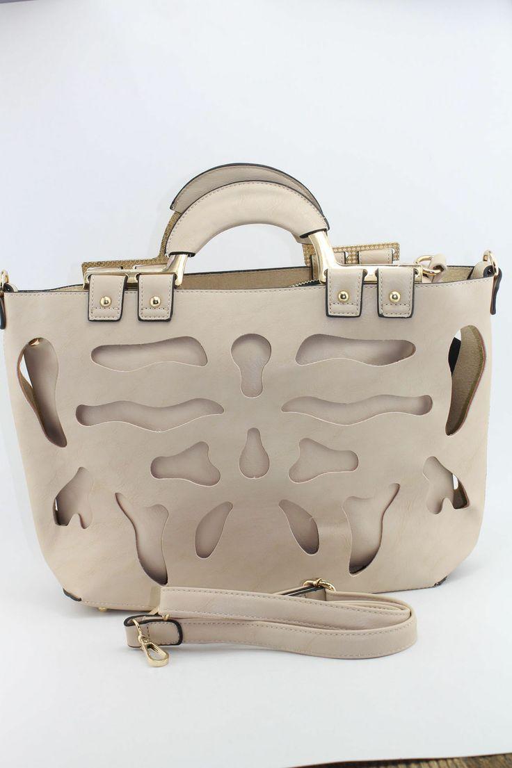 Γυναικεία τσάντα με διάτρητα σχέδια