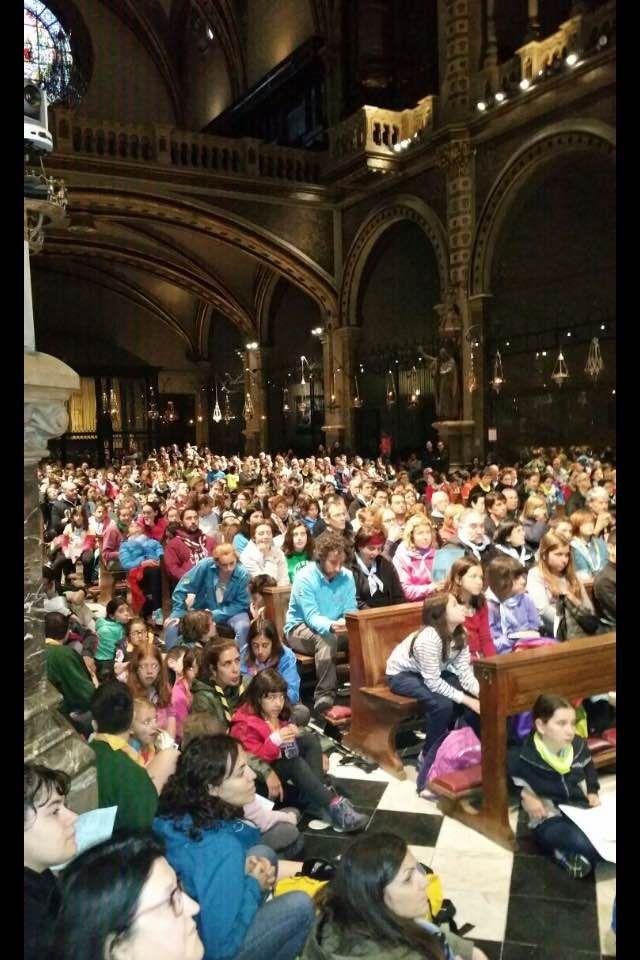 Maristes - Prop de 3.000 persones s'apleguen a Montserrat al pelegrinatge marista