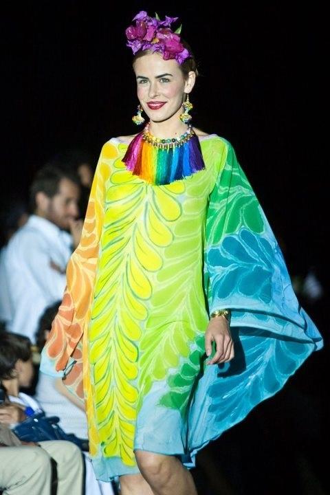 Collar de flecos multicolor