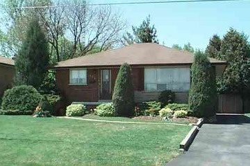 Detached - 3 bedroom(s) - Whitby - $319,000