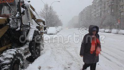 Traffic slowed by snow - snow fall.