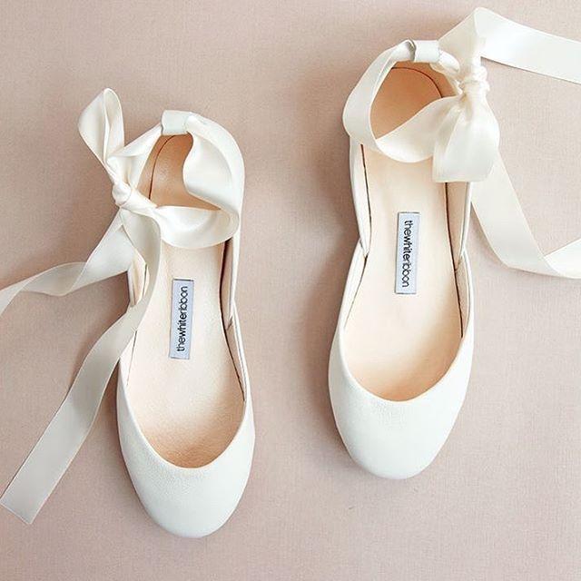 Moderne Schlichte Braut Ballerinas Fur Die Hochzeit Flache Brautschuhe Zum Modernen Hochzeitsklei Bridal Shoes Flats Bridal Ballet Flats Wedding Ballet Flats