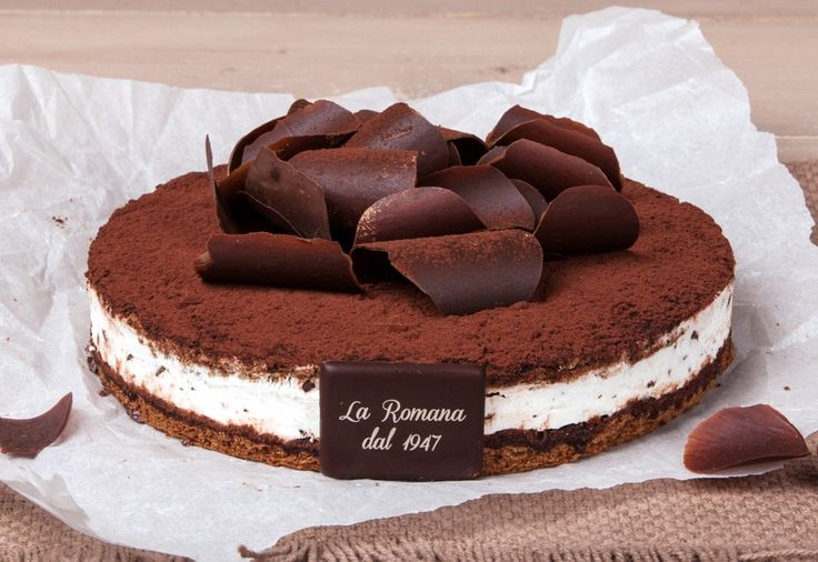 NEW CAKE 2016: Cacao bianco - Delicate Stracciatella semifreddo sandwiched between two layers of cocoa sponge cake and decorated with petals of tempered chocolate.