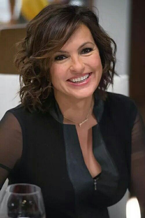 How I picture Monica happy, at the end of the book (Mariska hargitay)