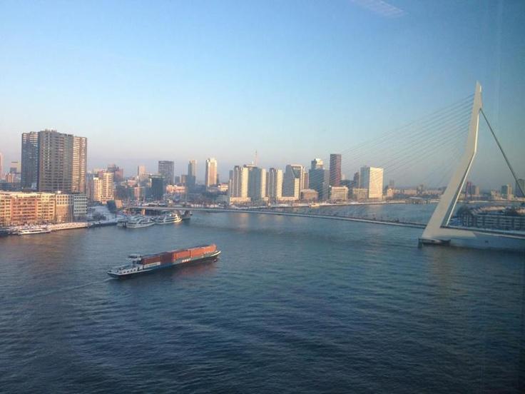 Binnenvaart richting Oss vanuit Haven Rotterdam. Bron: Twitterbericht @DonaldBaan