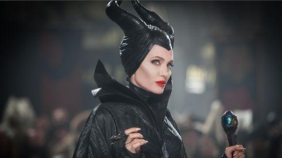 Hämeenlinnalainen modisti Hannu Viitala suunnitteli päähineet Disneyn Pahatar -elokuvaan Angelina Jolielle.