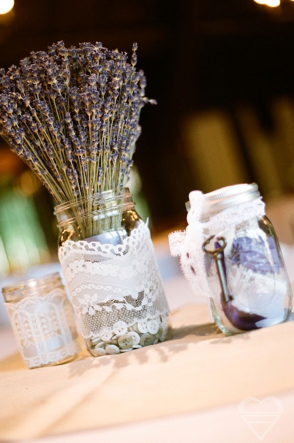 Pin this simple and beautiful wedding lavender
