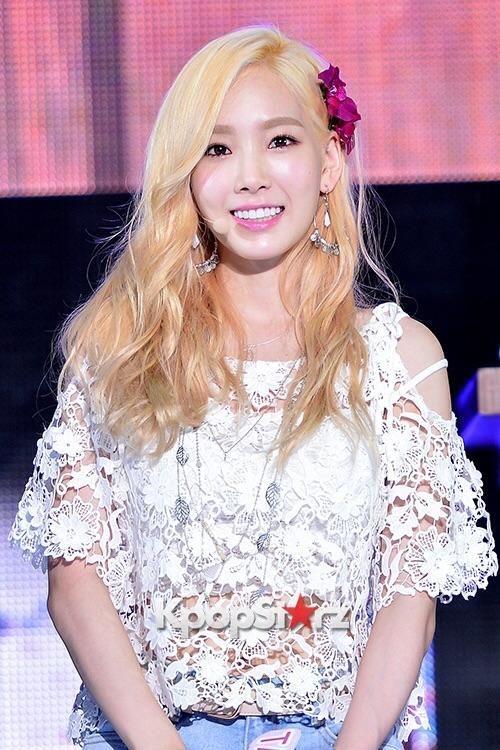 K-Pop News Weekly Top 3: Taeyeon And Baekhyun Split, Rain Opens New Agency, K-Pop Stars Attend NYFW - http://imkpop.com/k-pop-news-weekly-top-3-taeyeon-and-baekhyun-split-rain-opens-new-agency-k-pop-stars-attend-nyfw/