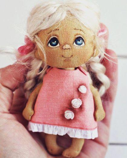 Коллекционные куклы ручной работы. Ярмарка Мастеров - ручная работа. Купить Крошка-брошка!. Handmade. Брошь, кроха, куколка