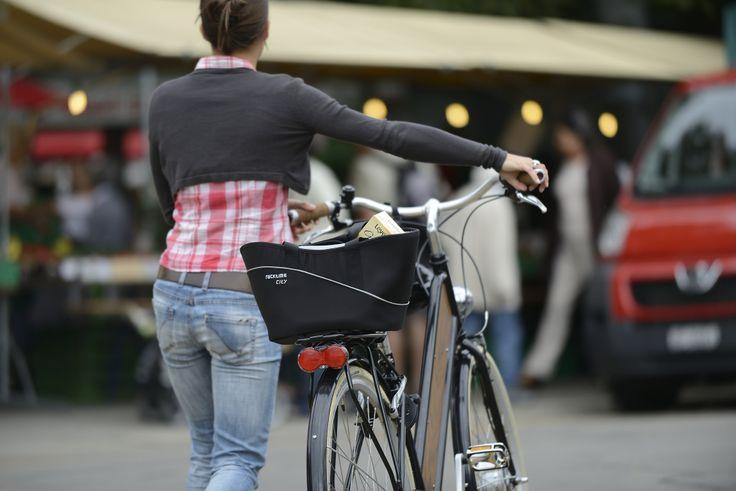 Bolso Shop-it. ¿Estás buscando una alternativa más cómoda a los convencionales canastos para bicicleta? Shop-it es el compañero ideal para tus compras semanales.