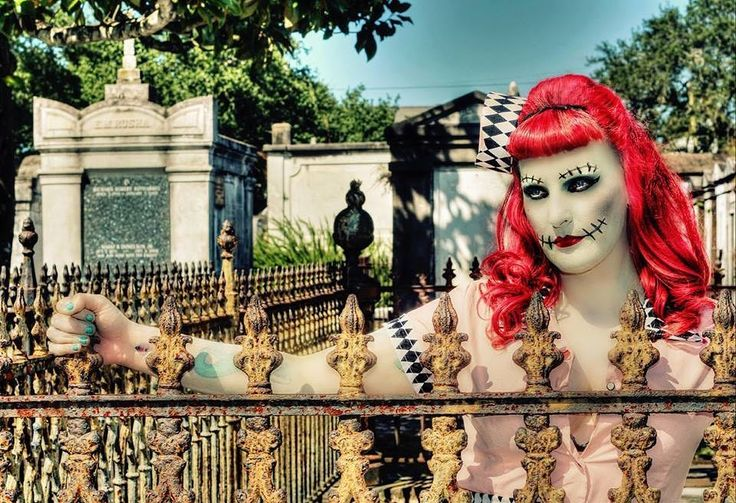 Can I take your order? #waitress #zombie #cosplay #neworleans #nola #cemetery #graveyard_dead #graveyard #tombs #historic #worldfamous #lafayettecemetery #taphophilia #ironworks #fleurdelis #gate #makeupmagic #followyournola #beatouristnola #visitneworleans #photoshoot #nolaphotographer #portraitphotography