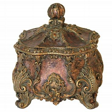 Our decorative box comes with lovely acanthus details and replete with designs…