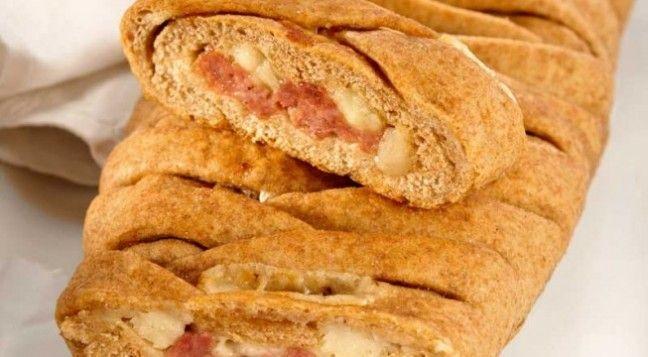 Che bontà la ricetta del pane al farro con salsiccia e pecorino !Una ricetta che vi delizierà per il suo gusto deciso.Sara Papa