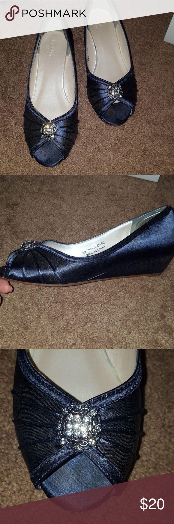 "Davids Bridal shoe size 8 marine color Davids Bridal dyeable ""Kelsey"" small heel dress shoe color is dyed Marine David's Bridal Shoes"