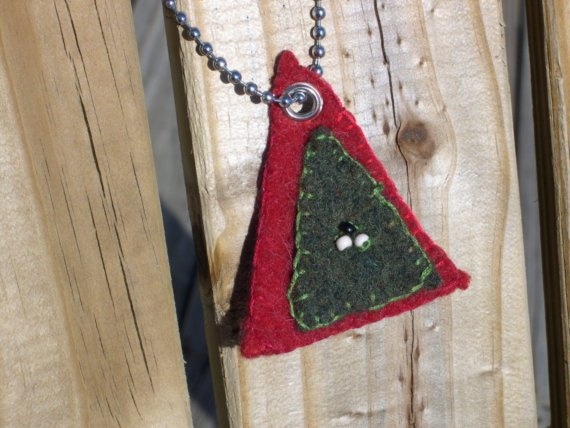 cool idea. upcycled jewelry