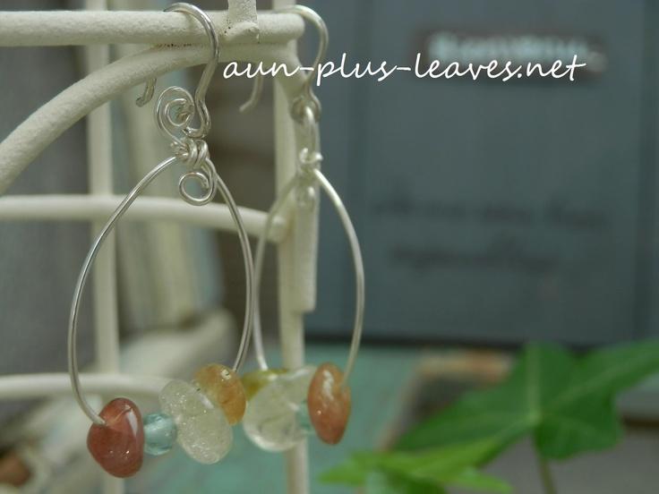 pierced earrings(Libian glass,sun stone,apatite)