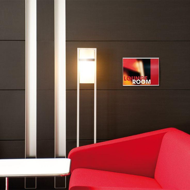 I-sign infoskilt i stilrent aluminiums design. Kan let opdateres med ønsket design.    For mere information om forskellige kontorskilte, besøg os på www.kontorskilte.com