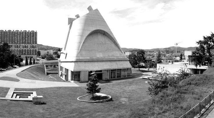 Church of Saint-Pierre de Firminy, Loire Valley, France by Le Corbusier (1967): Arq Strange, Saint Pierre De, Le Corbusier, Loire Valley France, Ecclesiastes Architecture, Saint Pierre Church, Corbusier 1967, Strange Landmarks