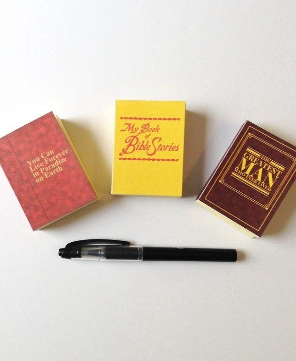 Retro Publications – Sticky Note Books