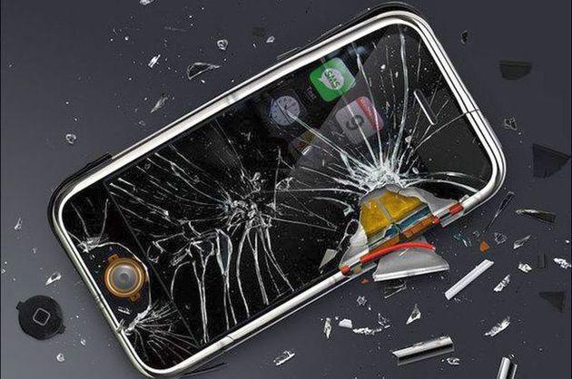 Daca ti s-a stricat telefonul, nu dispera. Ai suficiente optiuni la dispozitie, pentru a-l aduce la starea initiala. Cauti reparatii telefoane pentru toate marcile si modelele? http://www.zoneplay.info/News/ce-optiuni-ai-atunci-cand-ti-se-strica-telefonul.html